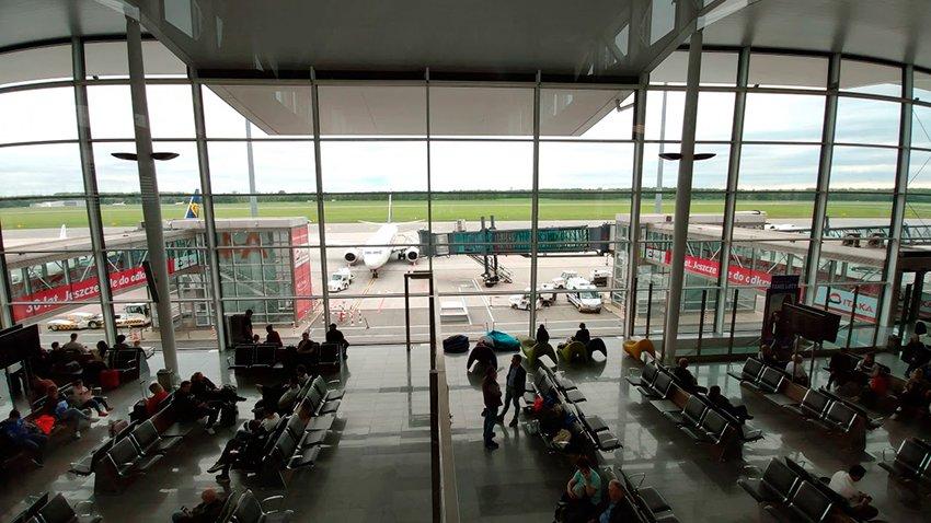 odloty wrocław lotnisko